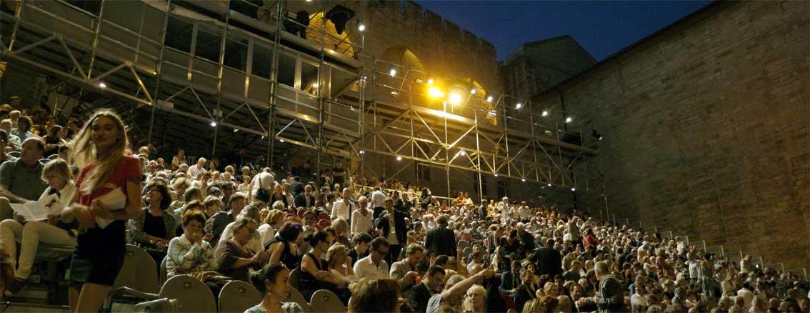 Das Publikum im Papstpalast