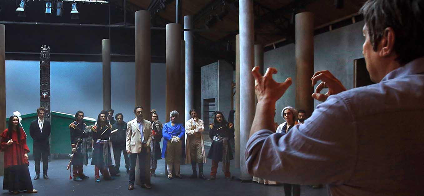 Lepage bei der Probe mit den Akteuren des Théâtre du Soleil