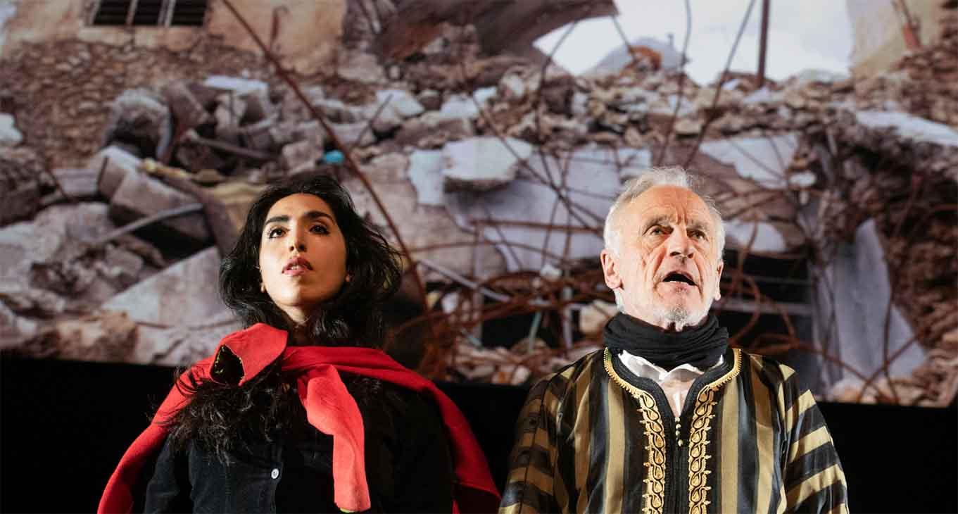 Kassandra und Agamemnon vor dem Ruinen Mossuls