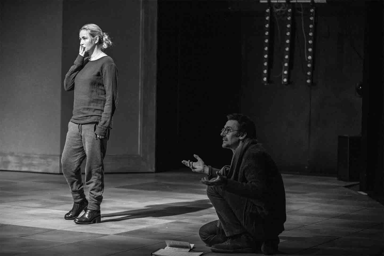 Emmanuelle Béart und Stanislas Nordey bei der Probenarbeit zu Christophe Pellets Stück.
