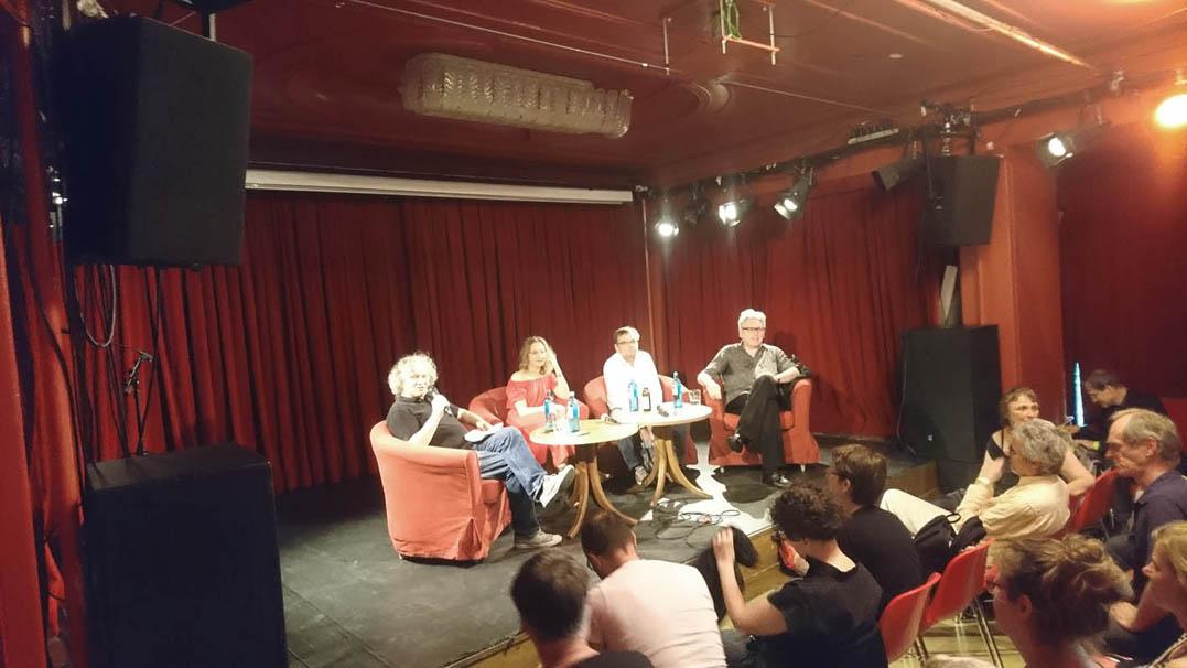 """Die Diskussion zum Abschluss der Tagung """"Faust, aus und vorbei"""" im Roten Salon"""